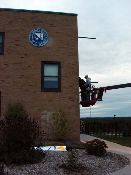 Building Banner bracket installation